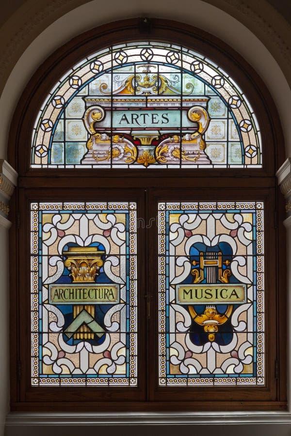 Glasfenster im Victoria-Parlament Kanada lizenzfreies stockfoto