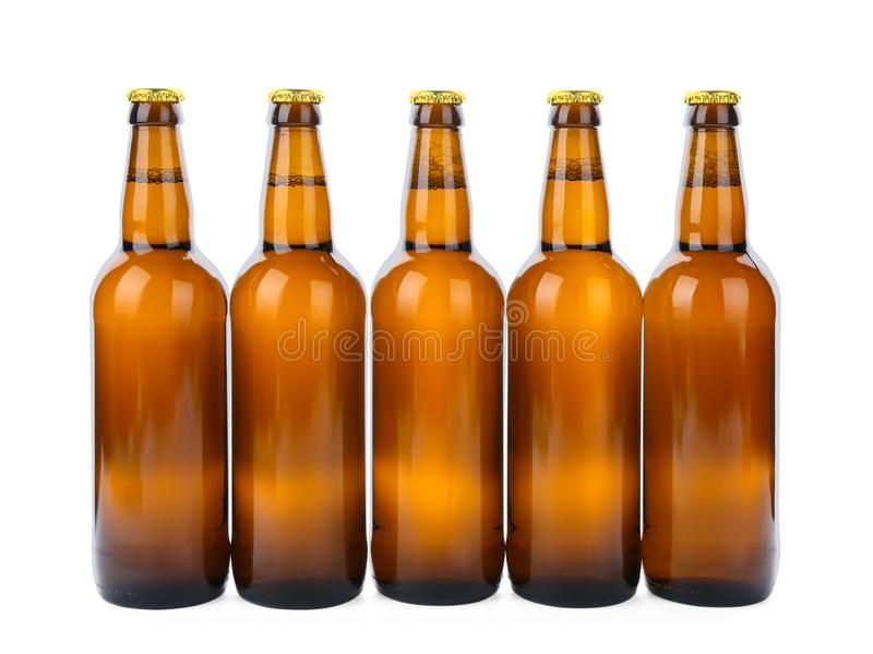 Glasflaschen Bier lokalisiert lizenzfreies stockbild