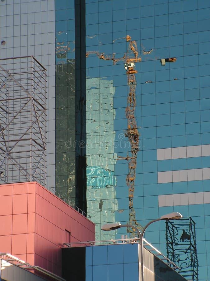 Glasgebäudereflexionen stockfotografie