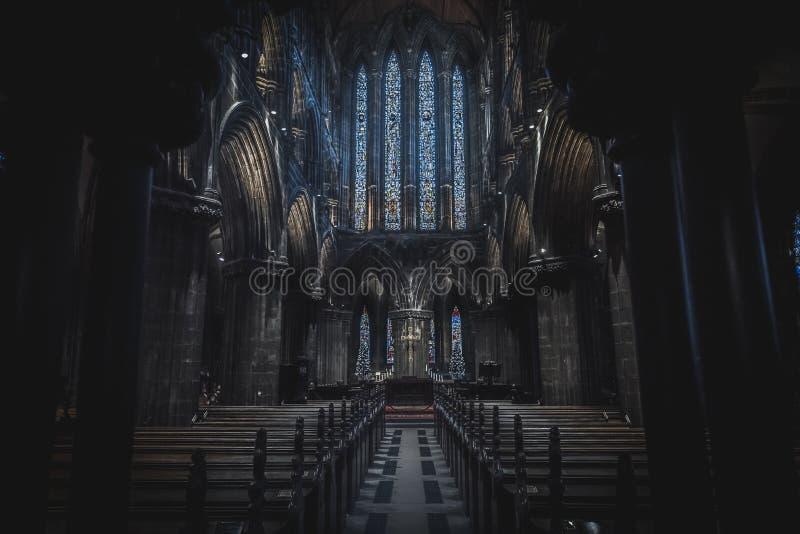 GLASGOW, ÉCOSSE, 16 DÉCEMBRE 2018 : Vue magnifique sur les intérieurs de la cathédrale de Glasgow, connue sous le nom de High Kir photo libre de droits