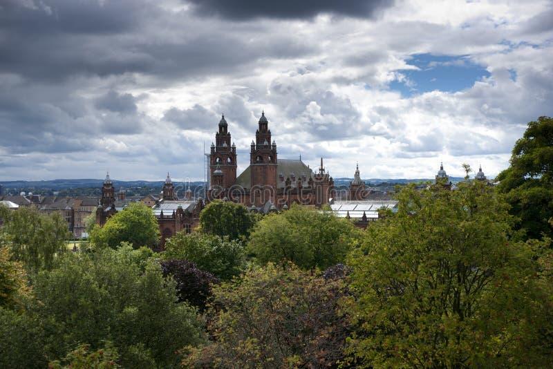 Glasgow, Escócia, o 8 de setembro de 2013, o Kelvingrove Art Gallery e museu perto do parque de Kelvingrove, Argyle Street imagens de stock