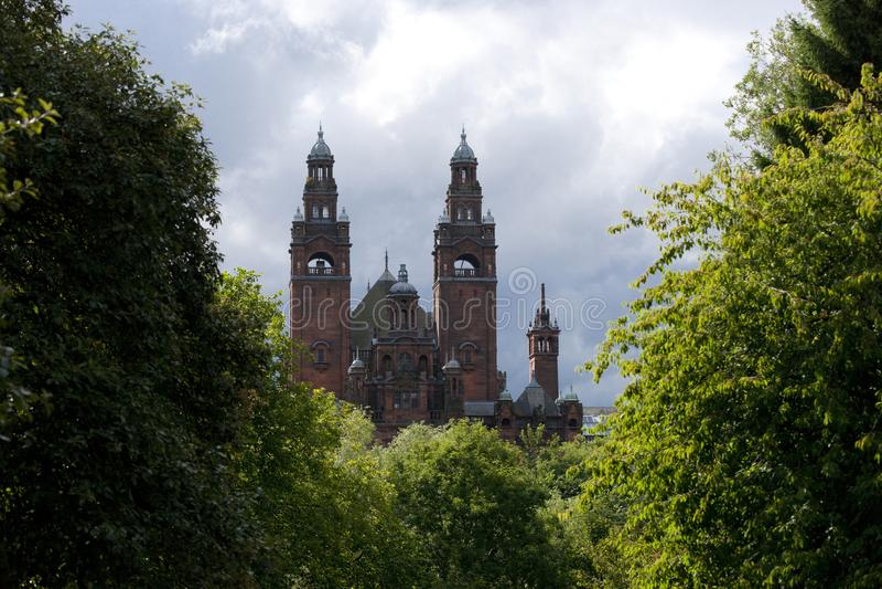 Glasgow, Esc?cia, o 8 de setembro de 2013, o Kelvingrove Art Gallery e museu perto do parque de Kelvingrove, Argyle Street imagem de stock