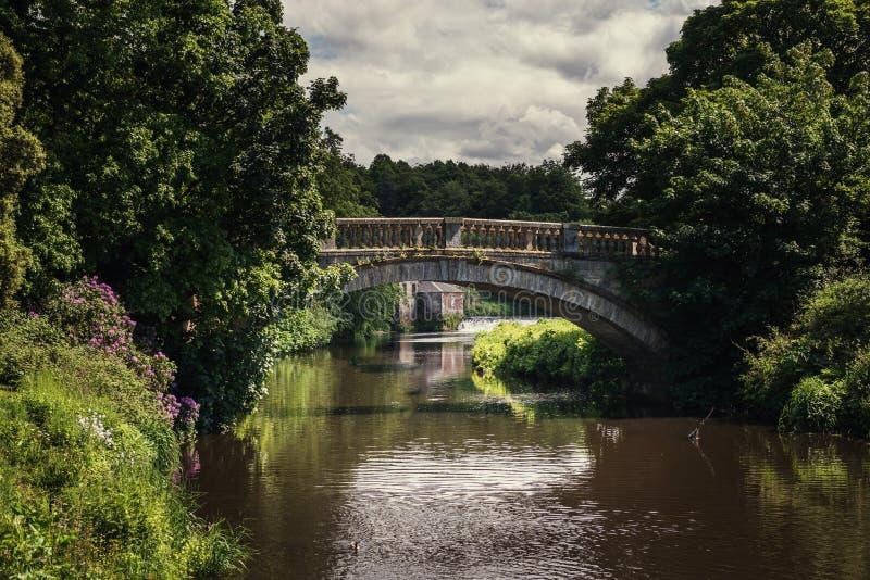 Glasgow, parque del país del pollok, casa de campo fotos de archivo