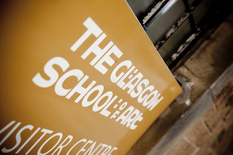 Glasgow, Schottland, Gro?britannien im September 2013 Charles Rennie Mackintoshs Glasgow School der Kunst vor dem verh?ngnisvolle lizenzfreies stockbild