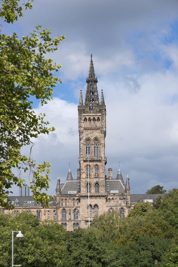 Glasgow, Schottland am 7. September 2013 Hauptgeb?ude und Turm der Universit?t von Glasgow bei Gilmorehill stockfoto