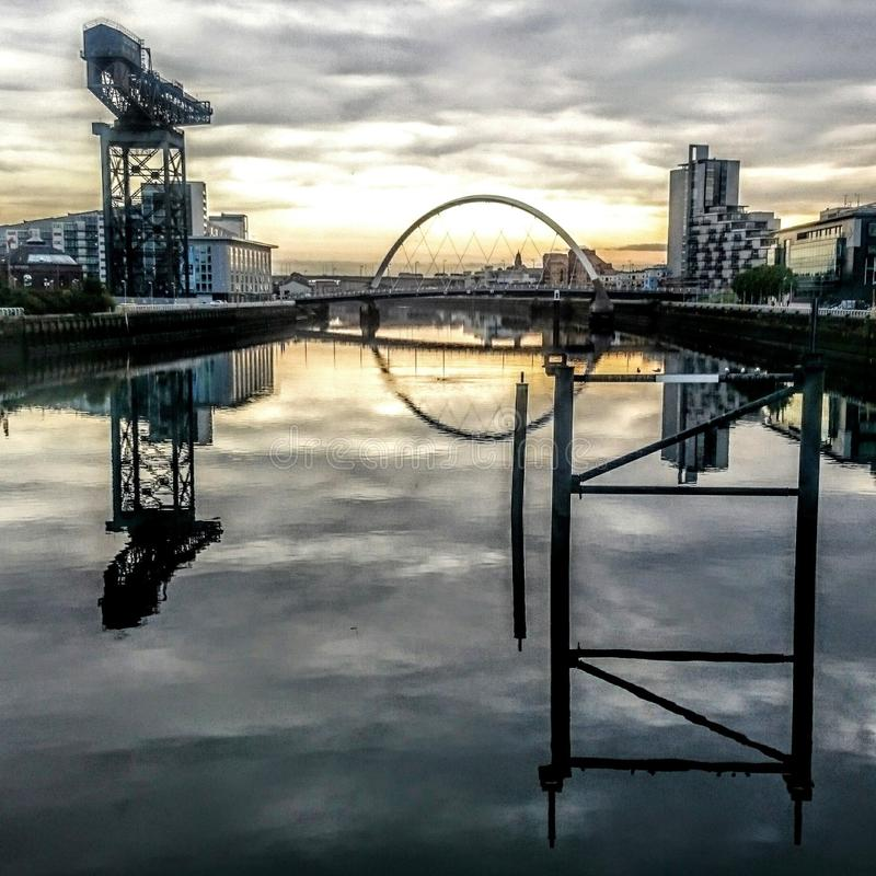 Glasgow Scotland soluppgång royaltyfria bilder