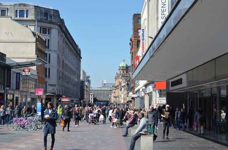 Glasgow, Scozia: Argyle Street verso l'ombrello del ` s di Hielanman immagine stock