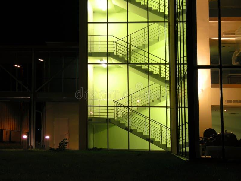 Download Glasig stockfoto. Bild von haus, eckig, gelb, leer, ecke - 33814