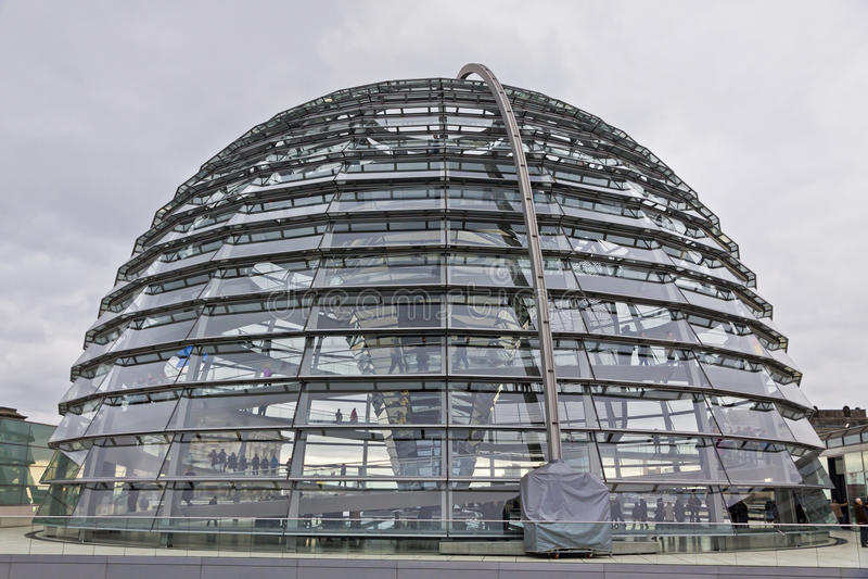 Download Glaskoepel Op De Bovenkant Van Reichstag-de Bouw Redactionele Fotografie - Afbeelding bestaande uit geometrisch, cirkel: 39113202