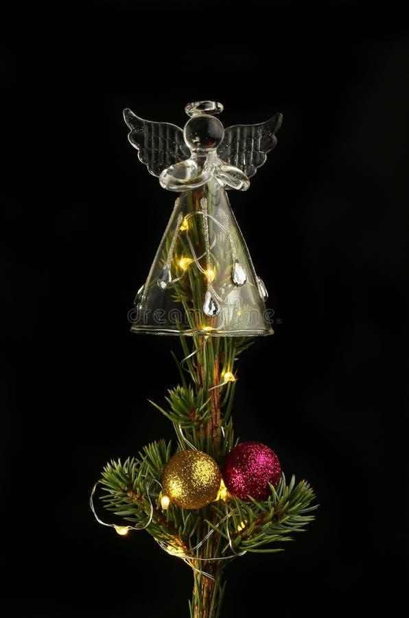 Glass ängel på en julgran royaltyfria bilder