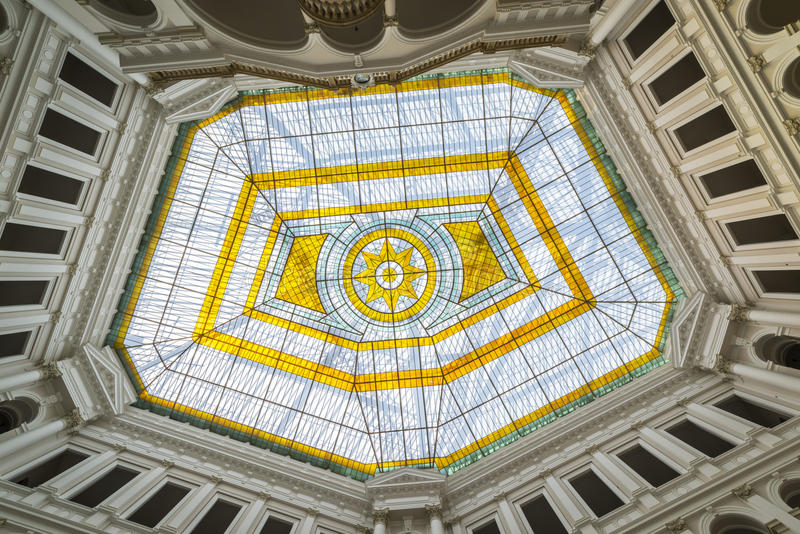 Glass atrium på taket arkivfoto
