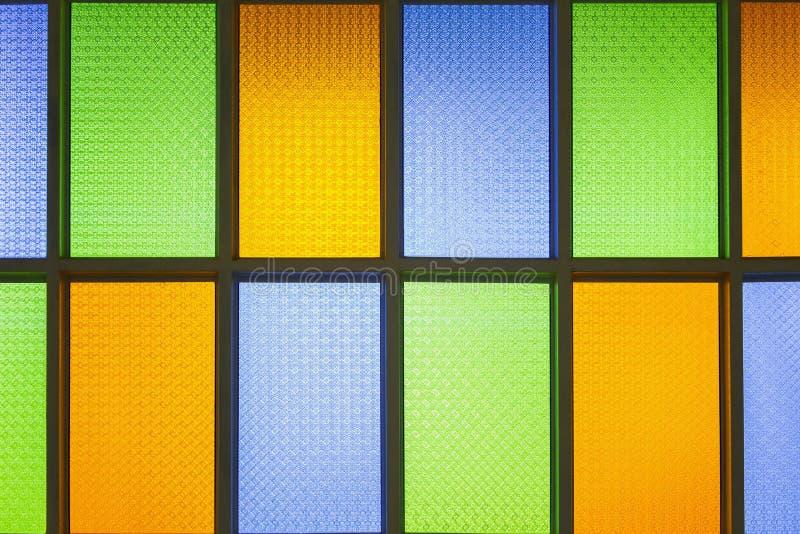 Glass fönster för färgrik fläck royaltyfri foto