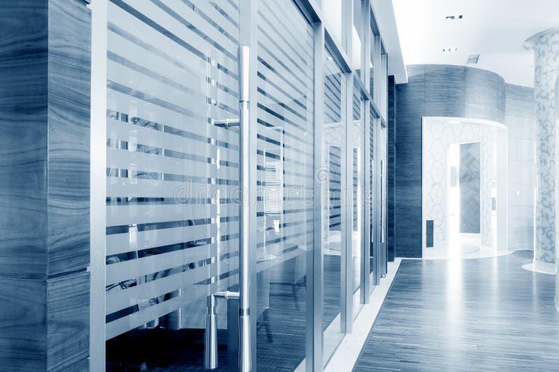 Glass glidningsdörrar arkivbilder
