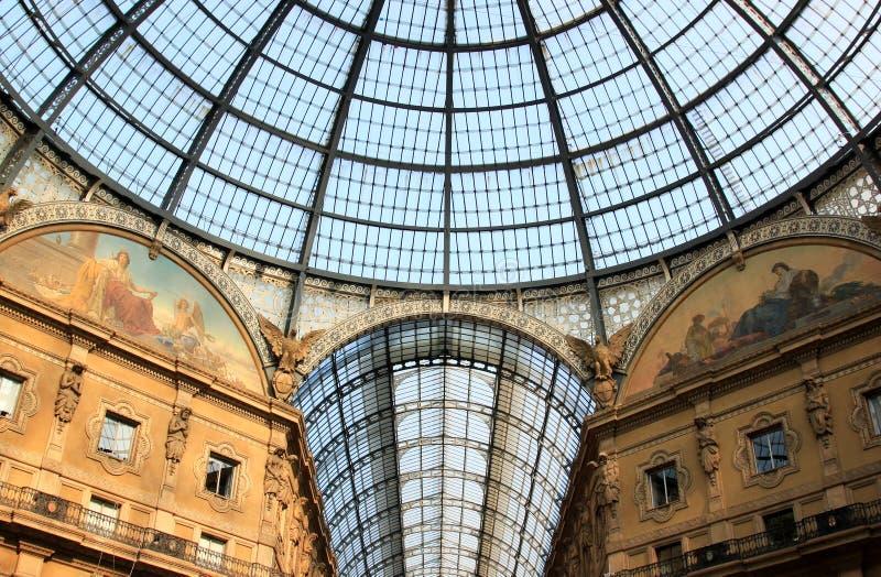 Glass kupol av Galleria Vittorio Emanuele II, Milan arkivfoto