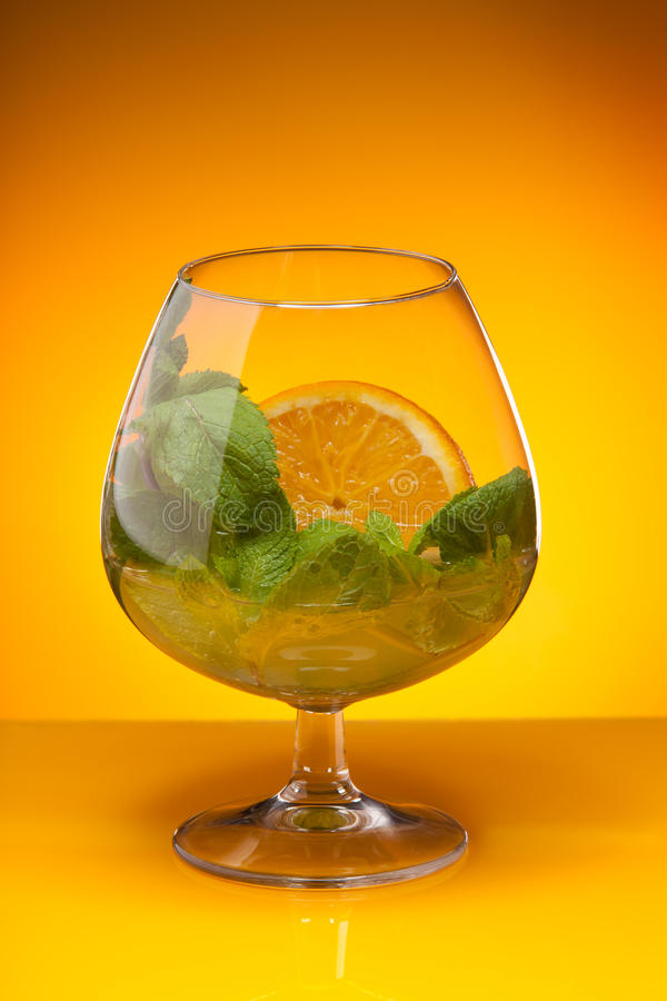 glass mintorange för drink royaltyfria foton