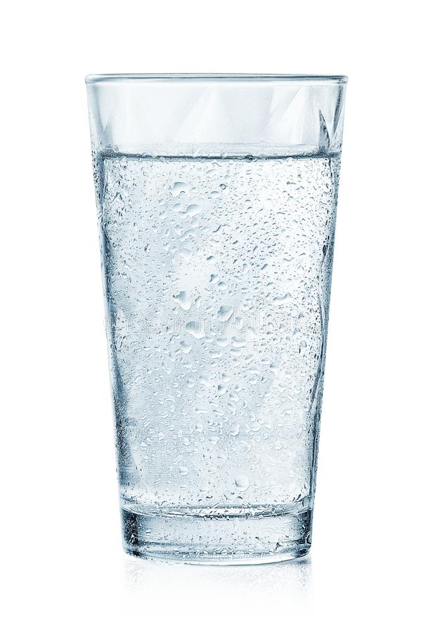 Free Glass Of Cold Sparkling Water With Drops Royalty Free Stock Photography - 152048007