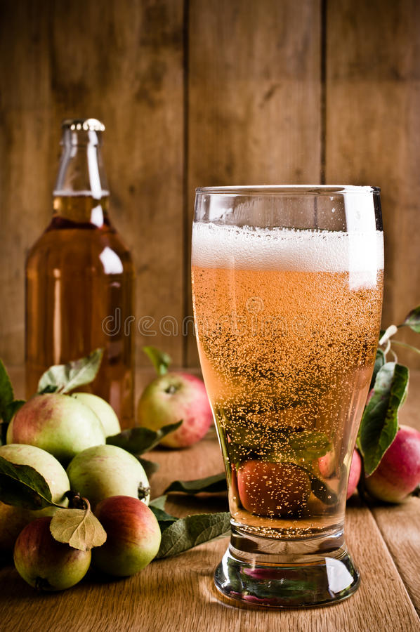 Free Glass Of Cyder Royalty Free Stock Photography - 16205027