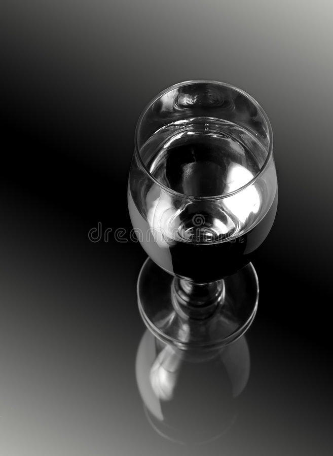 Free Glass Of Wine Royalty Free Stock Photos - 3198868