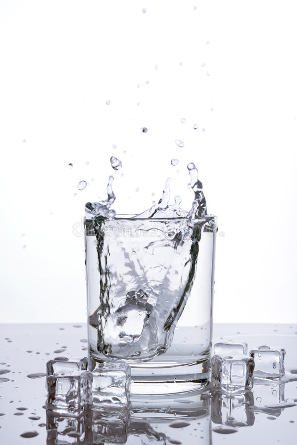 Glass plaska för is royaltyfri bild