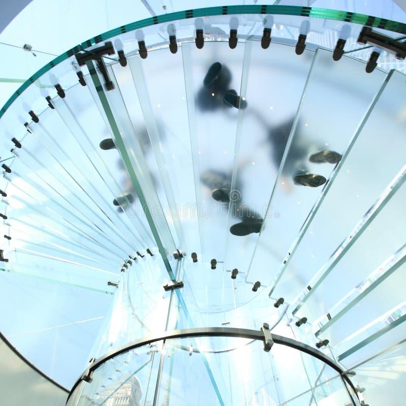 glass spiral trappuppgång arkivfoton