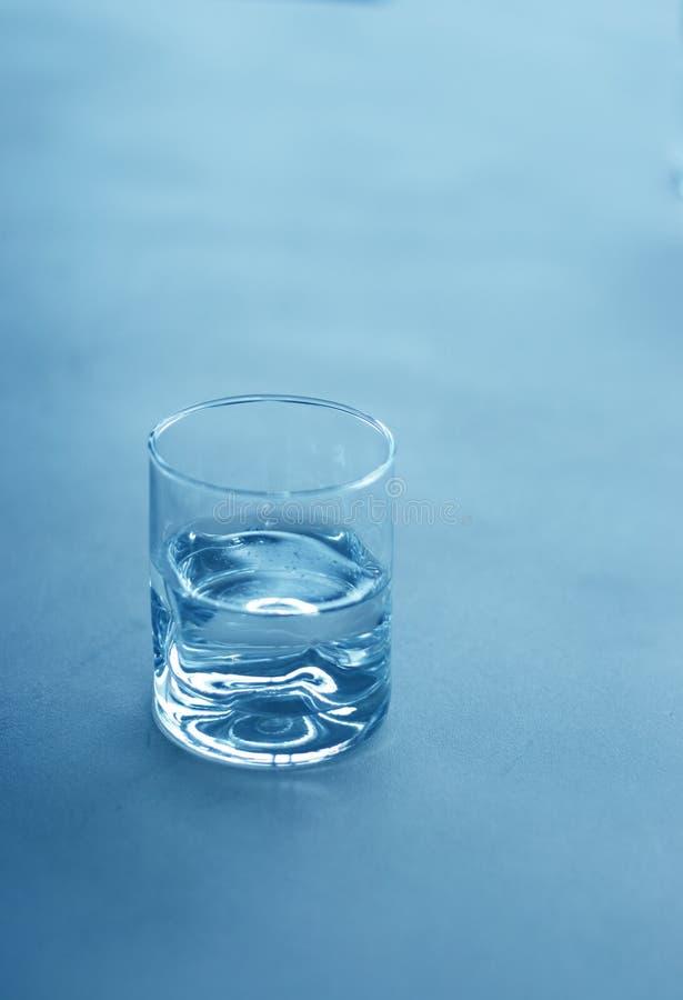 Download Glass vatten arkivfoto. Bild av serving, begrepp, exponeringsglas - 275078