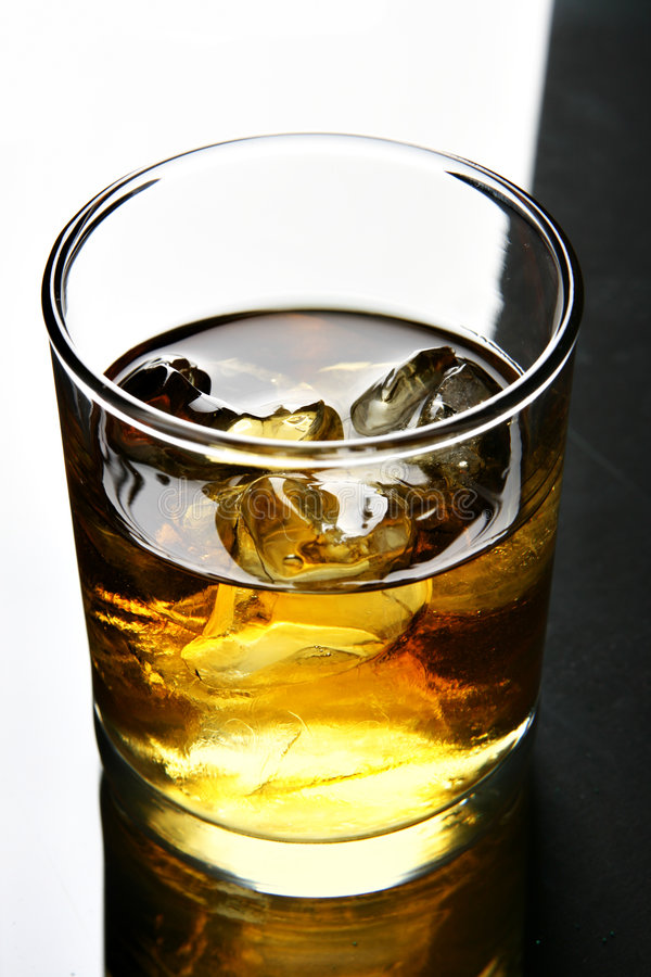 glass whisky royaltyfri bild
