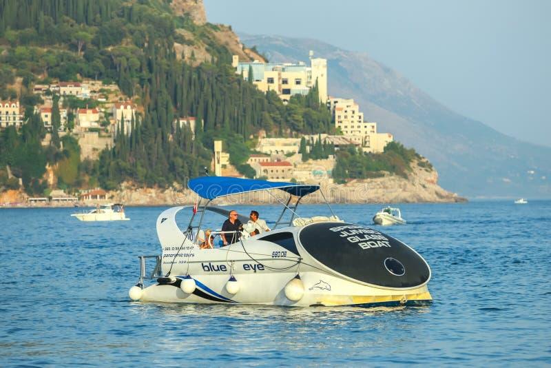 Glassboat在亚得里亚海 库存图片