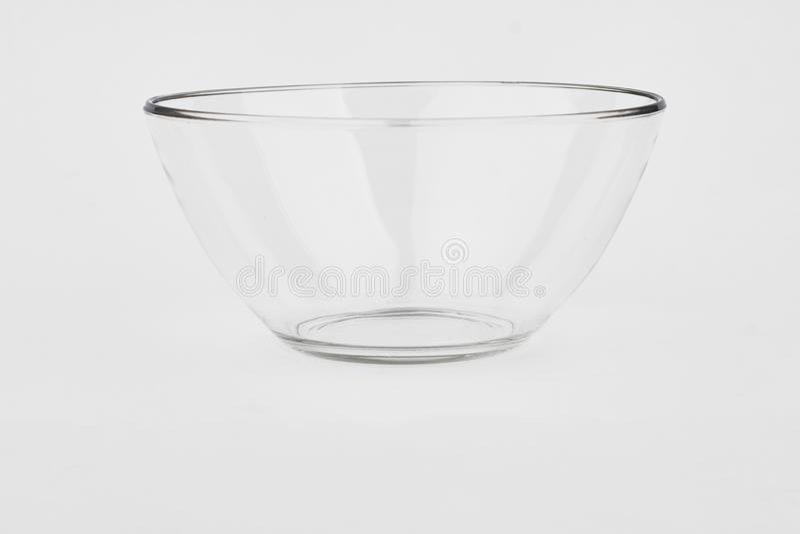 Glasschüssel auf weißem Hintergrund lizenzfreies stockbild