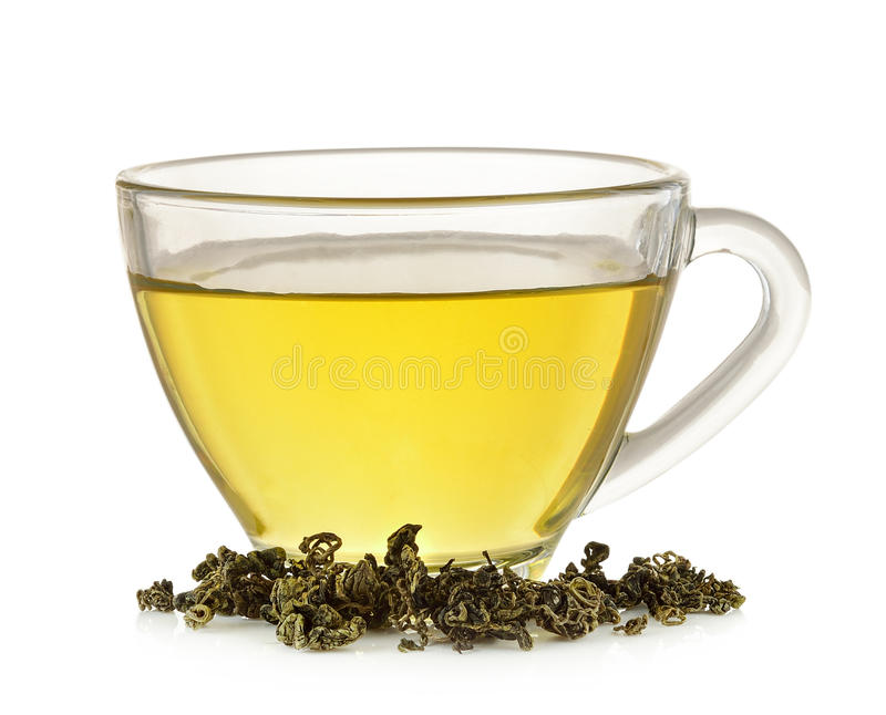 Glasschale grüner Tee lokalisiert auf weißem Hintergrund lizenzfreie stockbilder