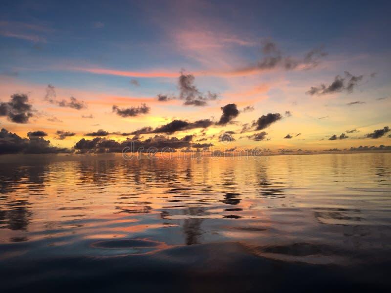 Glassout барьерного рифа восхода солнца большое стоковое изображение rf