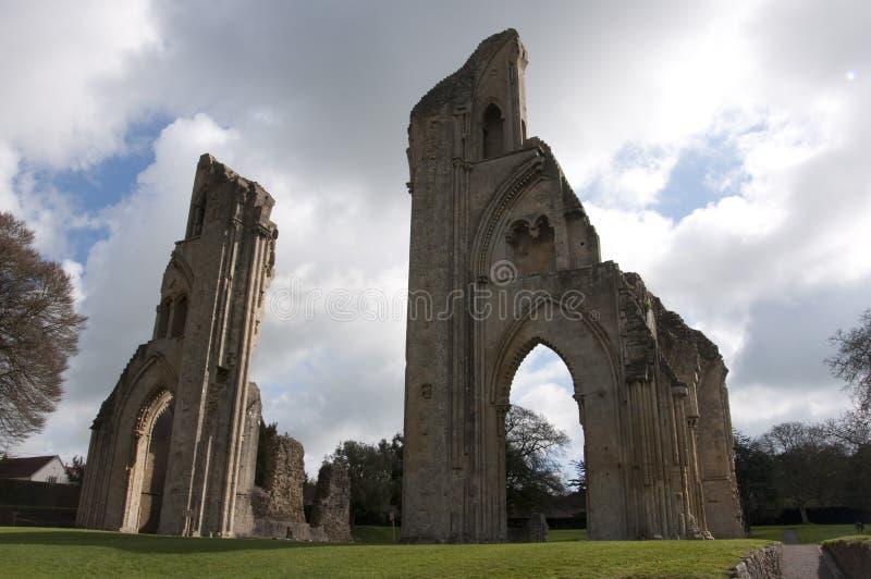 Glastonbury Abtei-Ruinen stockfotos