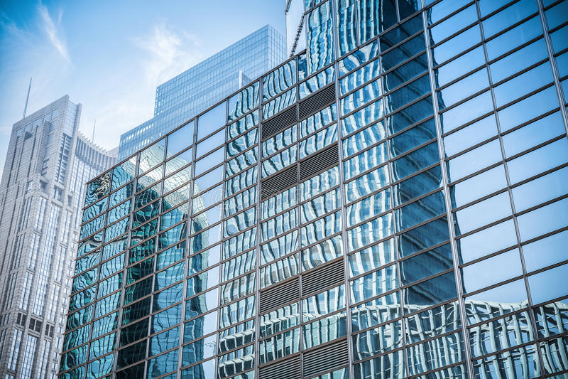 Glasvägg i moderna byggnadsskyskrapor fotografering för bildbyråer
