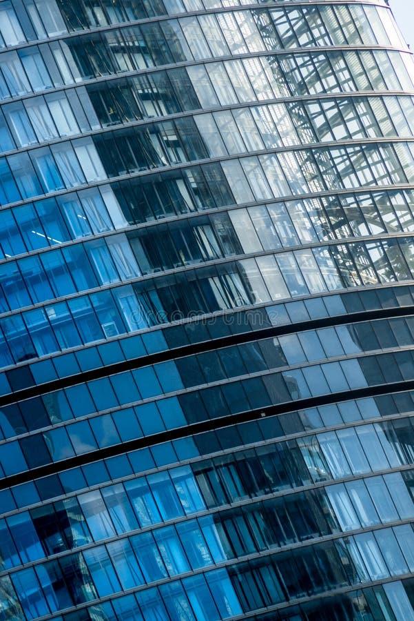 Glaswand, zeitgenössische Architekturfassade stockfotografie