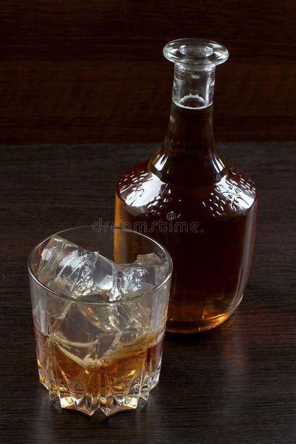 Glaswhisky op dark vier royalty-vrije stock foto