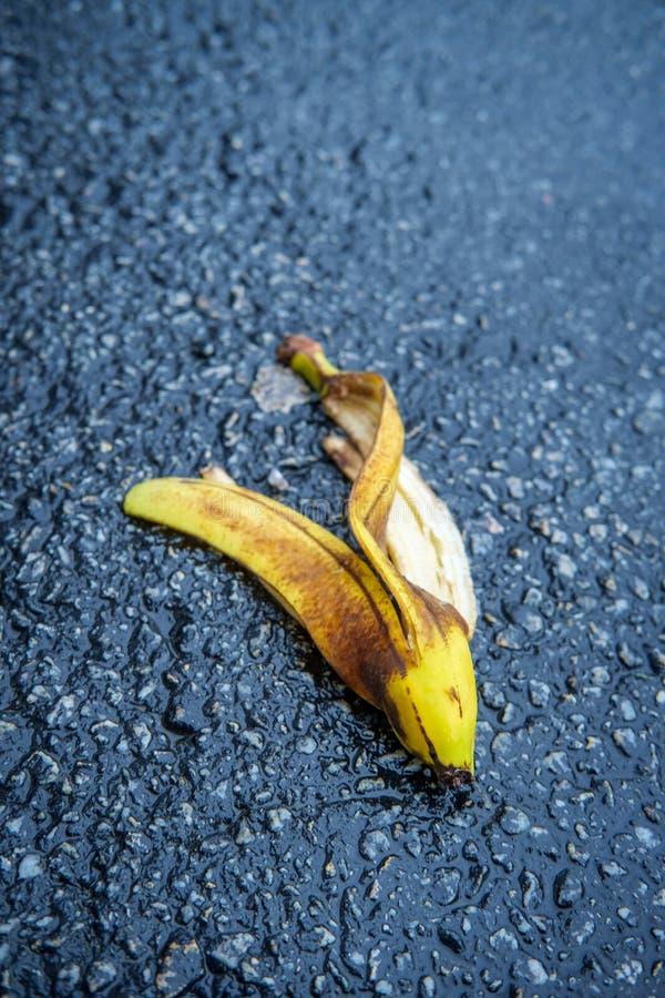 Glatte Kom?dien-Bananen-Schale stockfotografie