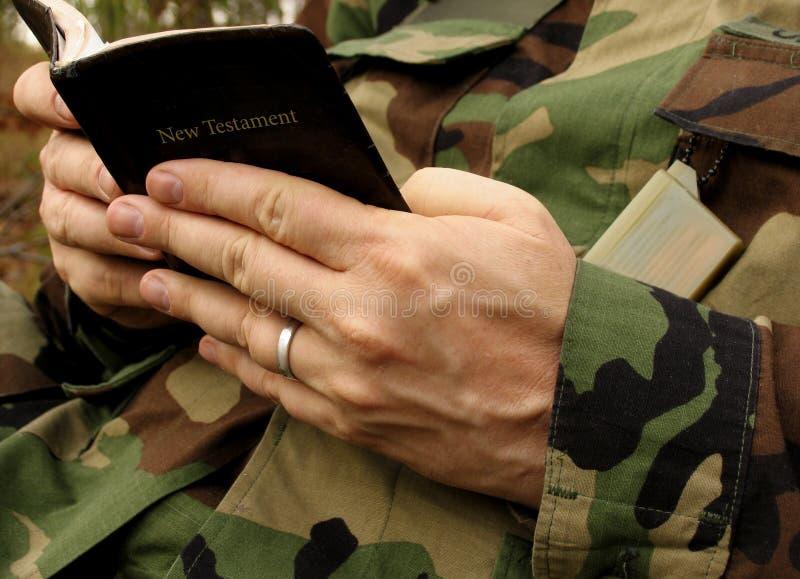 Glaube des Soldaten stockfoto