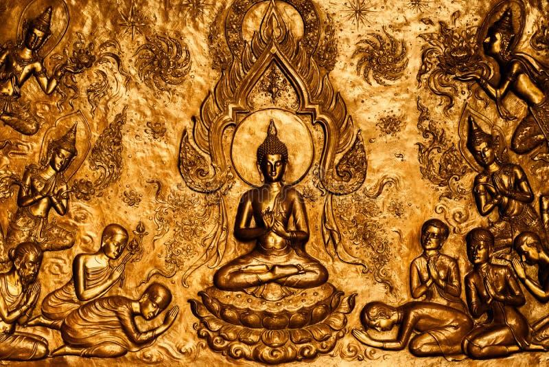 Glauben Sie thailändischen Leuten Buddhas im Tempel stockfotografie