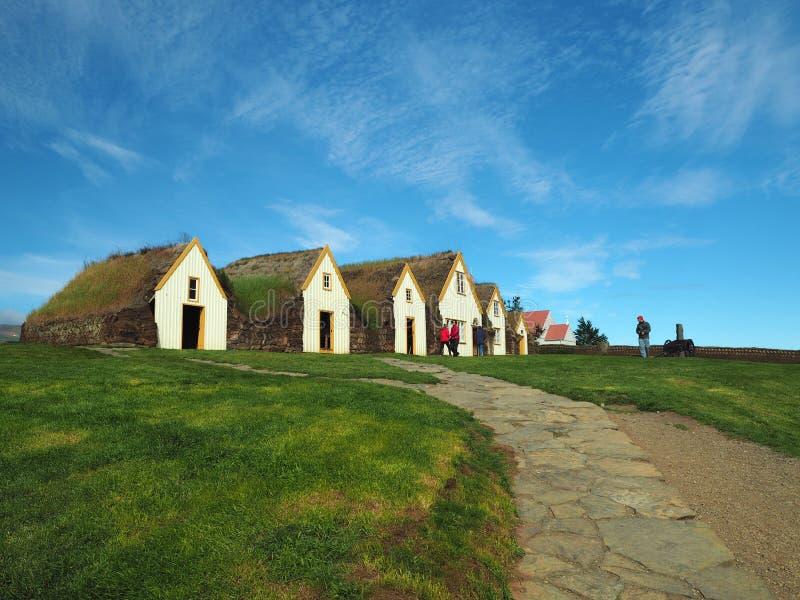 Glaumber na wolnym powietrzu tradicional icelandic ludowi muzealni domy z obraz stock