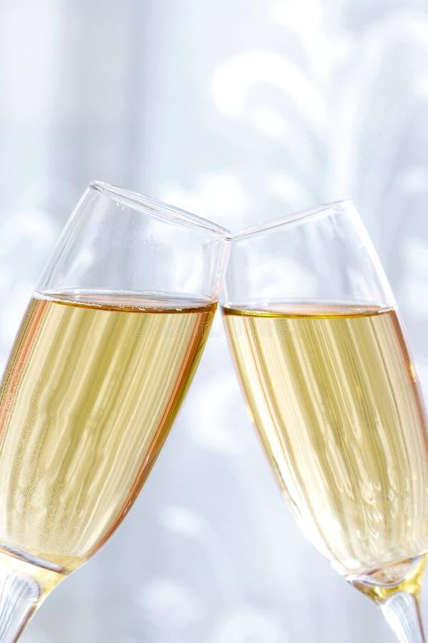 Glazen champagne, giften royalty-vrije stock foto's