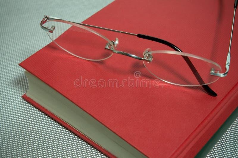Glazen en boek royalty-vrije stock foto