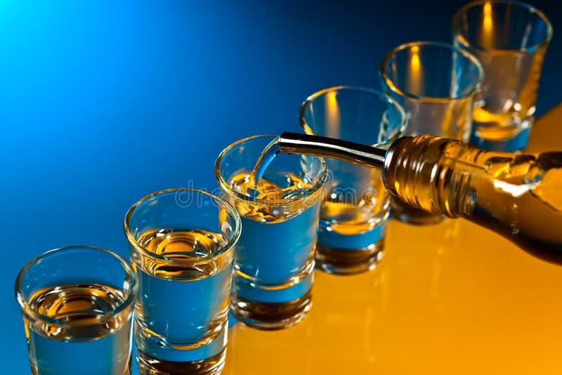 Glazen met een alcoholische drank royalty-vrije stock foto