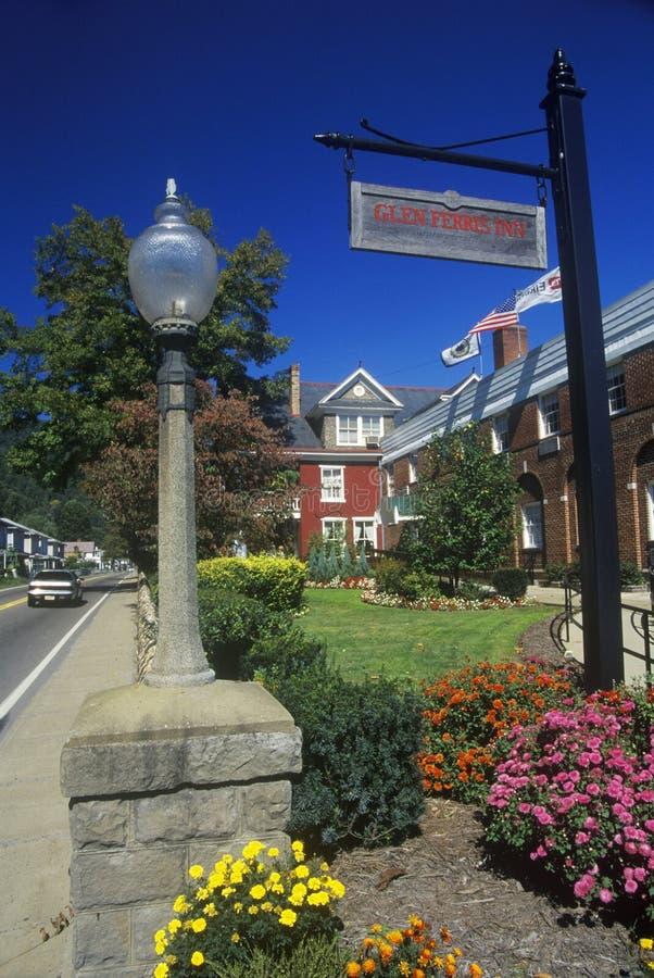 Glen Ferris Inn sulla strada principale scenica della traccia della parte centrale, itinerario 60, WV fotografie stock