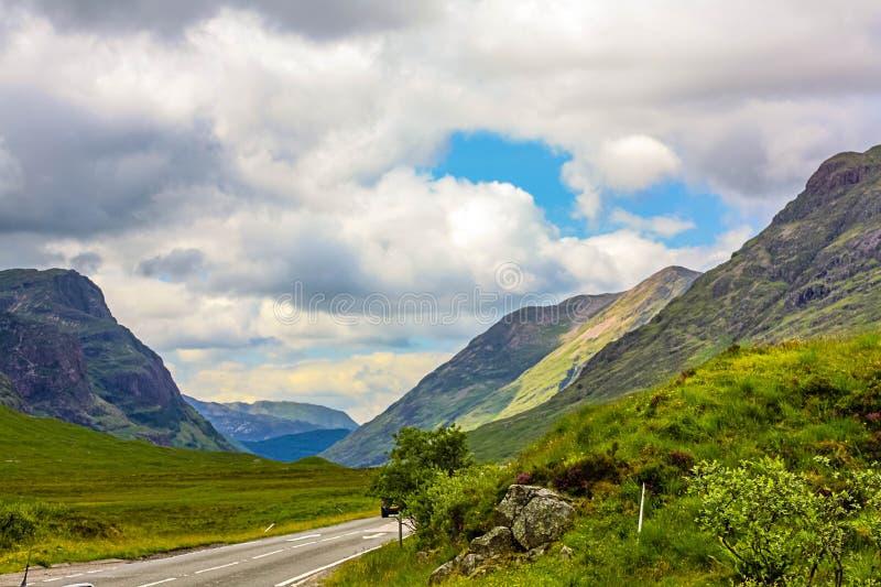 Glencoe, montagnes des montagnes vue panoramique, écossais Higlands, Ecosse, R-U de région, de l'Ecosse Glencoe ou de Glen Coe photographie stock