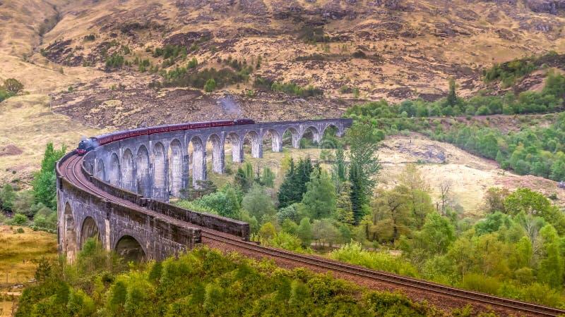Glenfinnan Rail Viaduct Scotland Harry Potter comboio a vapor imagem de stock