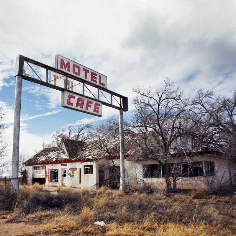 Glenrio, accanto al confine di stato di TX-NM, U.S.A. 10 marzo 2019 Città fantasma su Route 66 fotografie stock