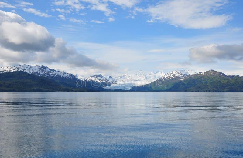 Gletscher in Alaska, das vom Meer zurücktritt lizenzfreie stockbilder