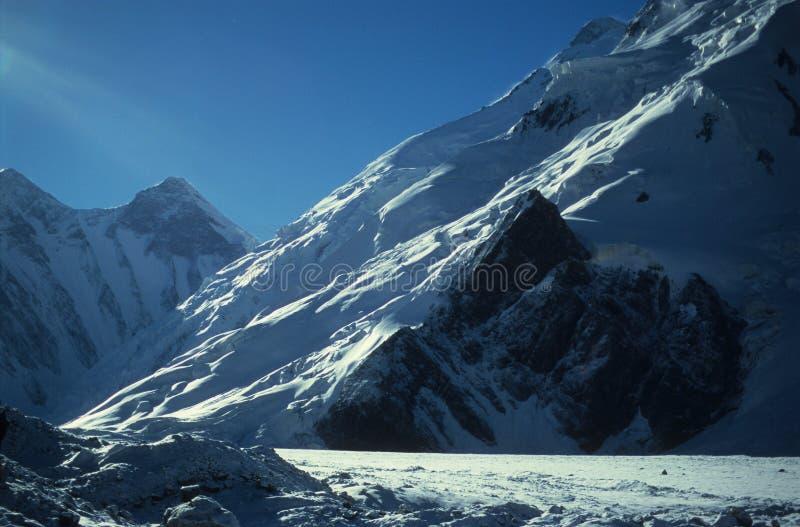 Gletscher auf Himalaja stockfotos