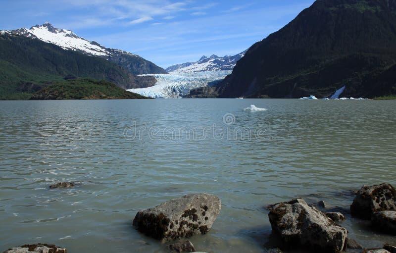 Gletscher u. See Mendenhall stockbilder