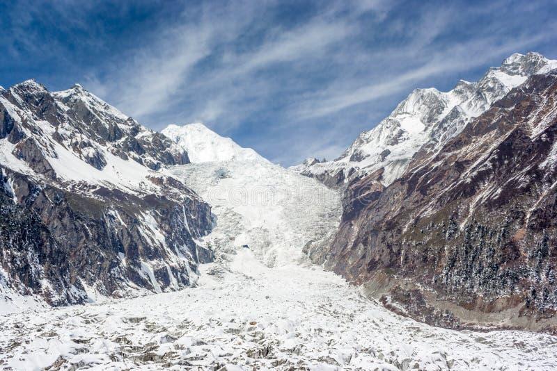 Gletsjer onder de sneeuwberg royalty-vrije stock afbeelding