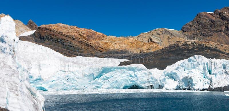 Gletsjer in Peru stock foto's